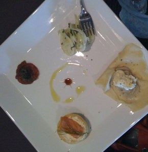 the presentation plate - clockwise, from far left: (1) crispy salami with salsa verde; (2) fennel and mint salad; (3) ravioli filled with chicken liver and green peppercorn paté, with sage cream; (4) smoked salmon canape to finish