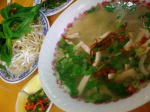 the pho ga from Vinh Hong was delectable