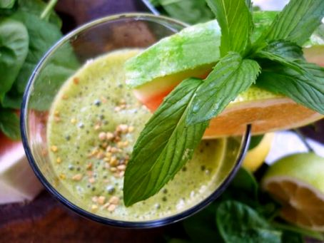 yummy green smoothie delight